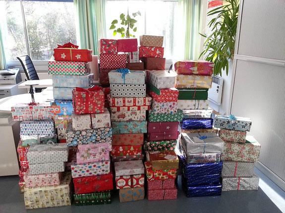 Es wurden 102 liebevoll verpackte Päckchen gespendet
