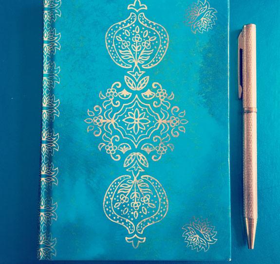 Auf dem Yoga Blog MOMazing findest du tolle Tipps für das Yoga-Mama Bucket List Tagebuch.