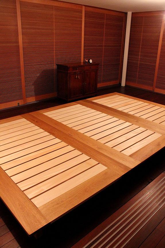 フラットなローベッド(鎌倉市・T様邸)