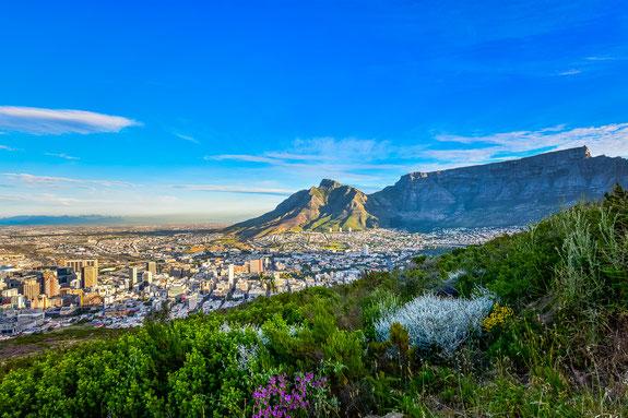 Cape Town vom Signal Hill mit dem Tafelberg im Hintergrund