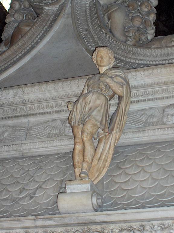 聖ドミニク祠堂の小像サン・プロクーロ(ミケランジェロ作)