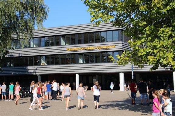Fassade des Gymnasiums bis 2014