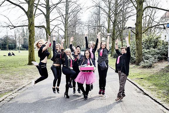 Gruppenfoto von Freundinnen beim Junggesellinnen Fotoshooting in Osnabrück