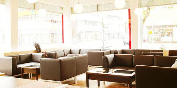 Ausdrucksstarke Interieur Fotos von Geschäftsräumen Hotels und Gastronomie