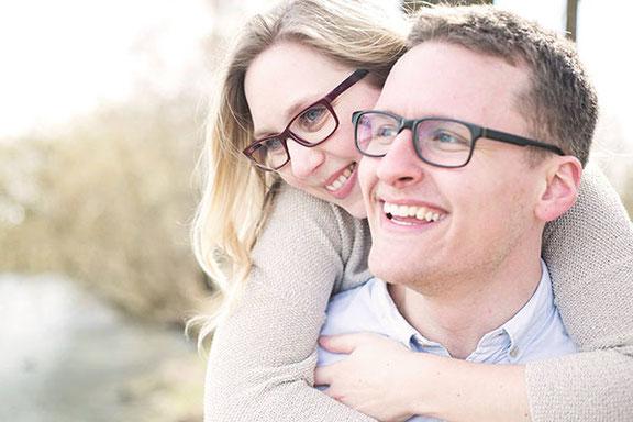 Paarfotos zur Verlobung in Hannover am Maschsee fotografiert