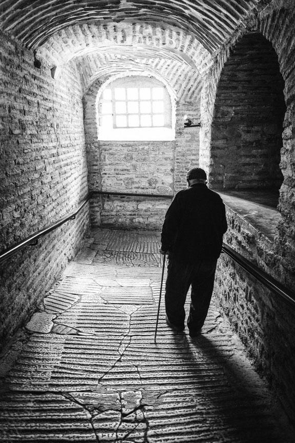 Die alten Männern von Istanbul (Copyright Martin Schmidt, Fotograf für Schwarz-Weiß Fine-Art Architektur- und Landschaftsfotografie aus Nürnberg)