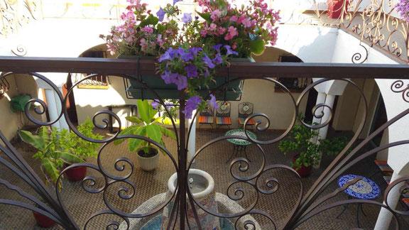 à Sorède le patio du bed and breakfast Al Pati