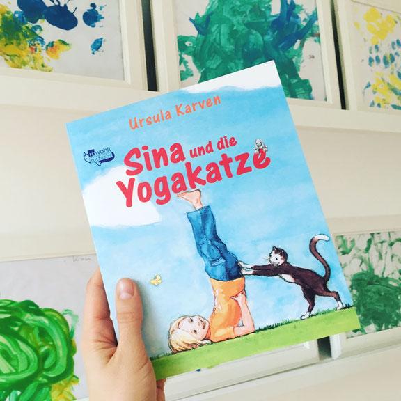 Kathrin vom Mama Yoga Blog MOMazing stellt ihr Lieblings Yoga Buch für Kinder vor: Sina und die Yoga-Katze.