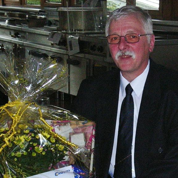 Urgestein und vielseitiges technisches Talent : Franz Neumann bei seinem 40 Jahre-Firmenzugehörigkeitsjubiläum (2011)