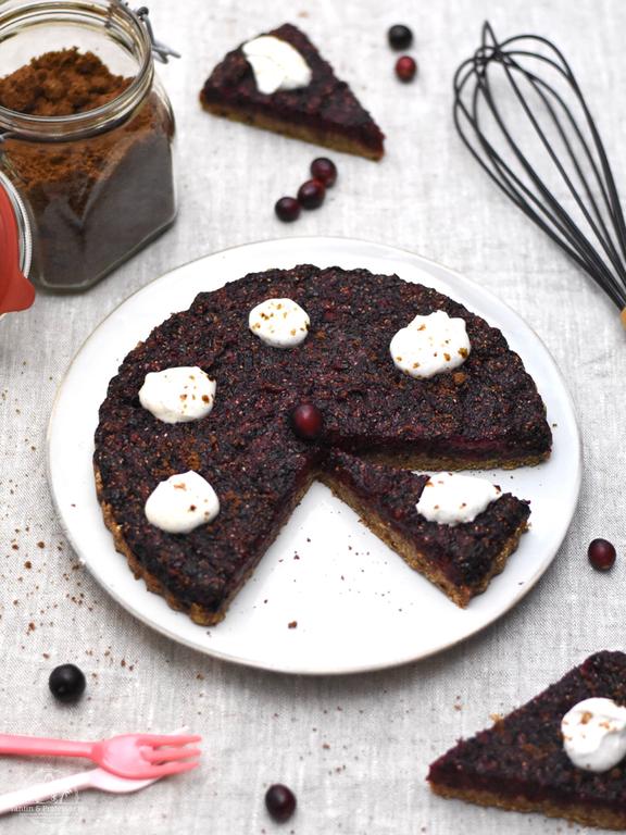 Vegane Cranberry-Tarte mit Pekanüssen & Ingwer