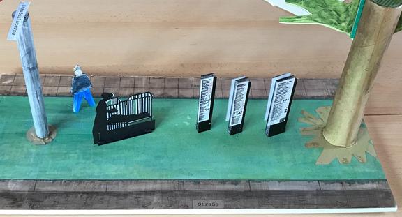 Entwurf des Gedenkortes von Wolfgang Wiedey, wie er beim Feuersturmgedenken 2020 öffentlich im Haus der Jugend Rothenburgsort präsentiert und disktuiert wurde.Foto: Sonja Lattwesen