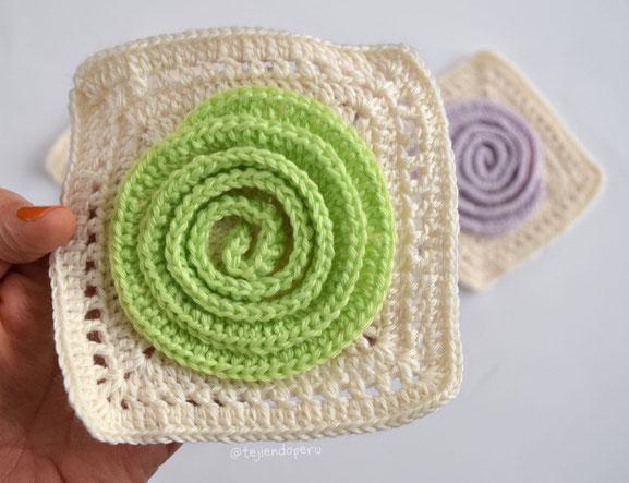 Granny con roseta 3D tejida a crochet paso a paso
