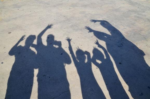 Even een schaduw foto maken met onze vrienden bij het Griffith Observatorium in LA.