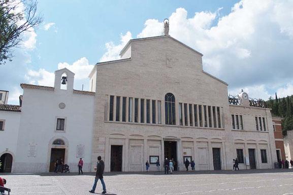 ピオ神父巡礼教会 Chiesa di Padre Pio