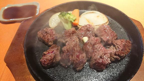 クライミングジムgugu!近隣にあるハンバーグ屋さん「ichi」のカットステーキ
