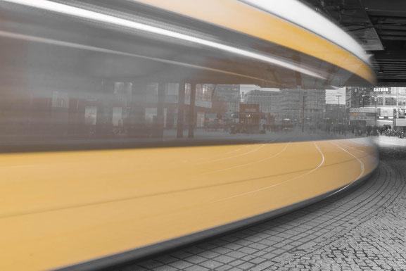 Tram am Berliner Alex - Langzeitbelichtung