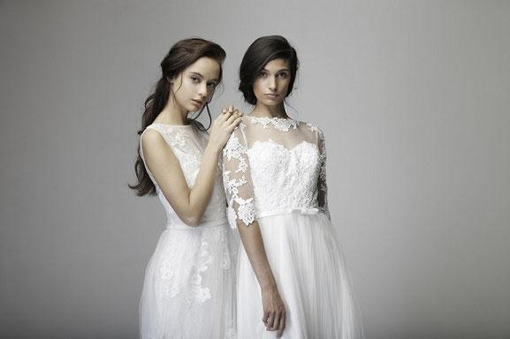 zwei Models in Brautkleidern für Standesamt