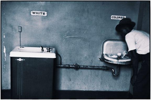 Segregated water fountains in North Carolina (1950)