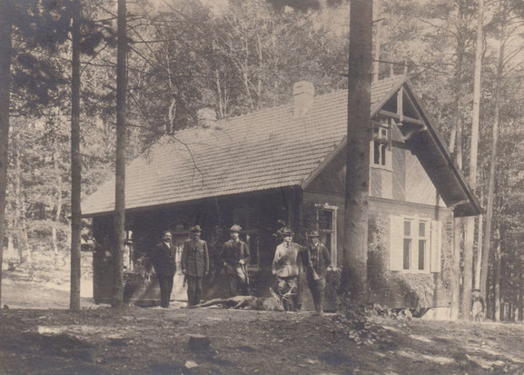 Nach der Jagd, um 1915. (Sammlung Raband&Urspruch)