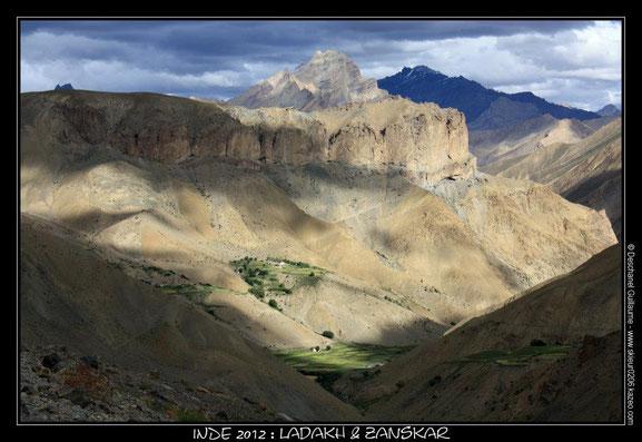 Voyage Inde - Himalaya : 15 août 2012 : Trek Zanskar & Ladakh : Etape 14 : Snertze - Hanuma La (4750 m) - Lingshed (4020 m)