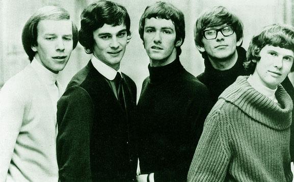 """The Zombies treten 56 Jahre nach ihrer Gründung erstmals in Oberschwaben auf. Mit ihren beiden millionenfach verkauften Welthits """"She's Not There"""" und """"Time Of The Season"""" schrieben die Briten an der Geschichte von Beat und Rock mit."""