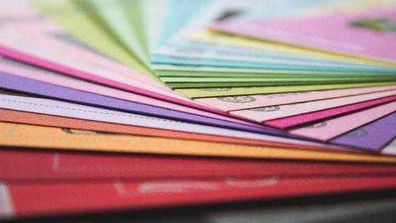 Farbkarten Design Layout Logo Farben Flyer