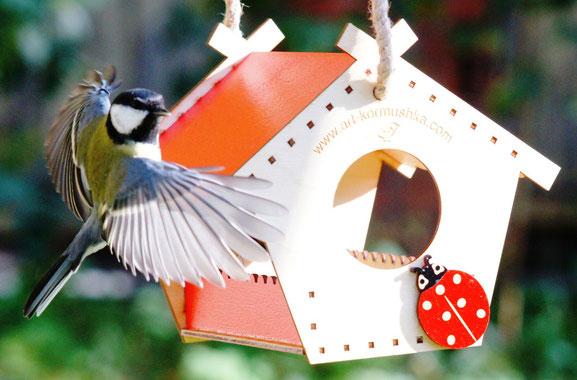 Купить кормушку теремок в Москве. Кормушка для птиц.
