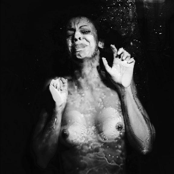 Não te devo Explicação | 2011 | Analogue Photography printed on Fine Art Paper | 100x100cm
