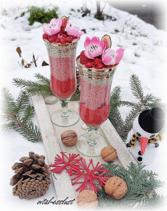 Chiasamen, Kokoscreme, Himbeeren, Schnee, Frühstück