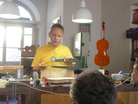 Beim Geigenbauer in Cremona