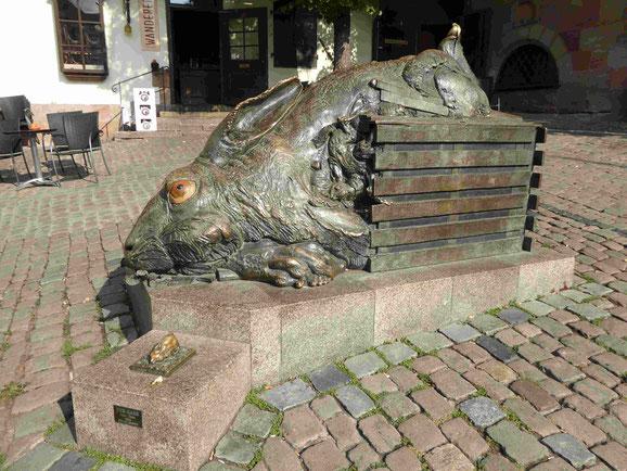Hasendenkmal am Albrecht-Dürer- Platz