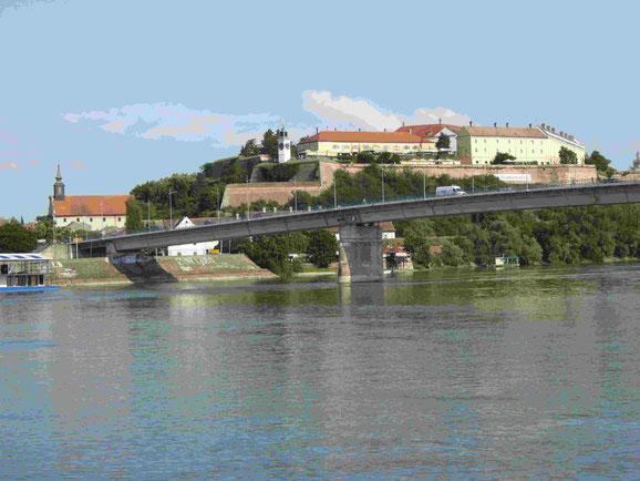 Blick auf die Festung Petrovaradin in Novi Sad