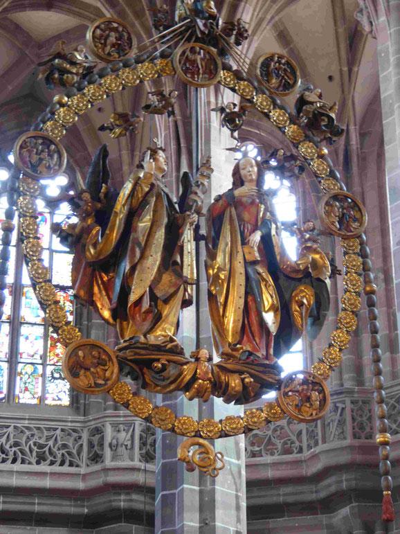 """Der """"Engelsgruß"""" von Veit Stoß in der St. Lorenzkirche"""