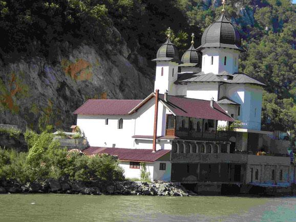 Rumänisches Kloster am Eisernen Donautor