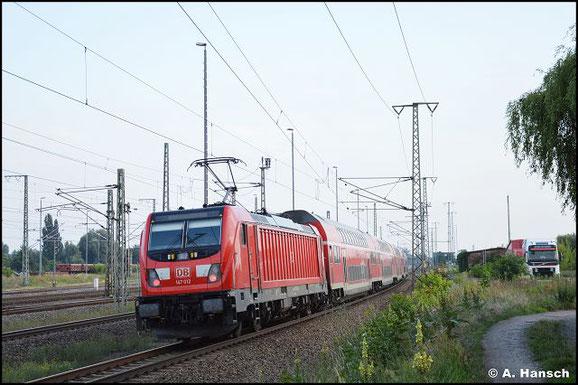 Die BR 147 ersetzt nach und nach die BR 112.1 am RE 3 in Luth. Wittenberg. 147 012-8 schiebt den RE in den Zielbahnhof
