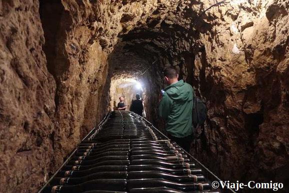 visite-cave-troglo-degustation-vin-Vouvray-Touraine-Amboise-Tours-Vallee-Loire