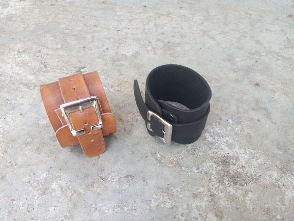 Bracelet de force, 18 euros.