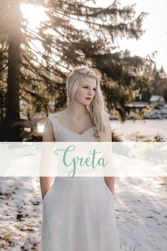 zweiteiliges Hochzeitskleid: Top  ~ Greta ~ in blush mit Brautrock ~ Elea ~ Die neue elementar Brautkollektion NO FAIRY TALE besticht durch natürliche Lässigkeit und nachhaltige Materialien.