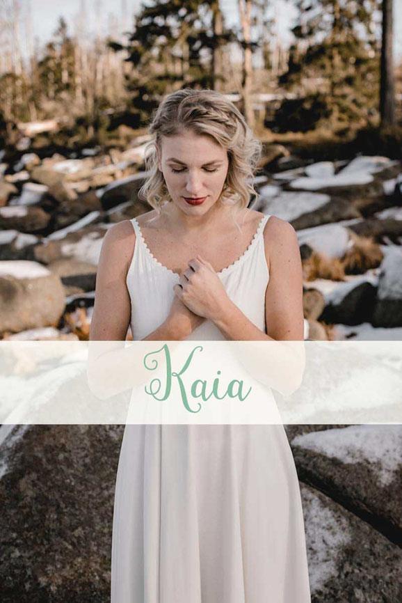 Brautkleid ~ Kaia ~ Die neue elementar Brautkollektion NO FAIRY TALE besticht durch natürliche Lässigkeit und nachhaltige Materialien.