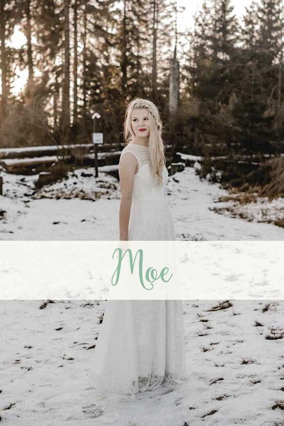 Brautkleid ~ Moe ~ Die neue elementar Brautkollektion NO FAIRY TALE besticht durch natürliche Lässigkeit und nachhaltige Materialien.