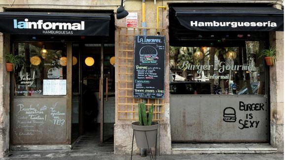 Вкусные гамбургеры в Барселоне