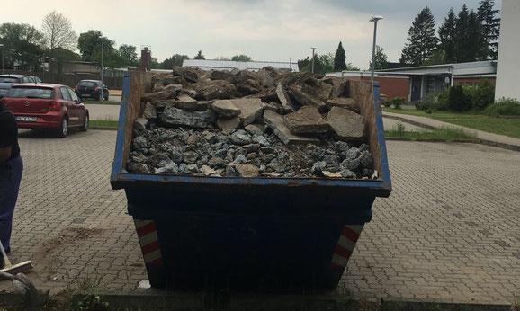 Günstiger Containerdienst aus Lübeck in der Pellwormstraße 1