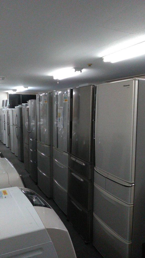 豊平第2展示場は札幌最大級の大型冷蔵庫、洗濯機の中古家電展示場