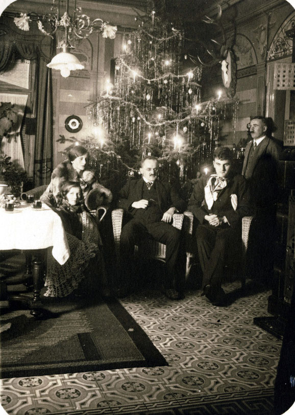 1929 Sylvester (Elisabeth, Oskar, Werner, Kunz)