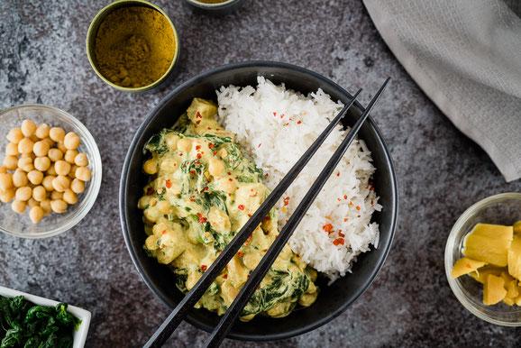 Mango-Spinat-Curry aus dem Dampfgarer.