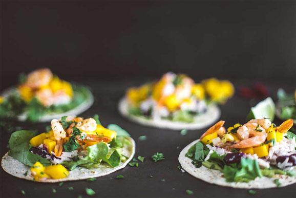 Exotische Tacos mit Shrimps aus dem Dampfgarer.