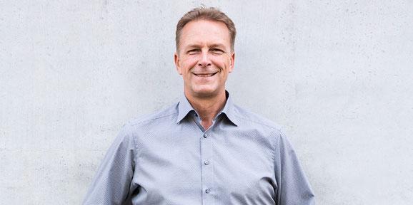 Verkaufstrainer Thomas Pelzl gibt Verkaufstrainings direkt in Unternehmen, Verkaufsseminare und Vertriebsschulungen