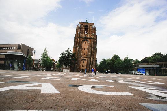 Der wohl schiefste Turm in Leeuwarden, Oldehove. Die kostengünstige Besichtigung lohnt sich - man hat einen wunderbaren Blick über die gesamte Stadt.