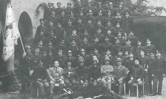 Erinnerung an die 50-Jahr Feier und die verfügte Auflösung der Freiwilligen Feuerwehr Schlanders 1925