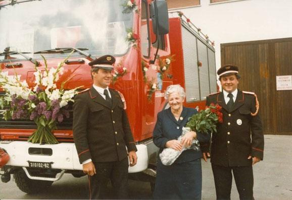 Einweihung des Schweren Rüstfahrzeuges 1981 v.l.n.r. Kdt.Stv. Altstätter Ernst, die Patin Breitenberger Elisabeth und Kdt. Sagmeister Ernst